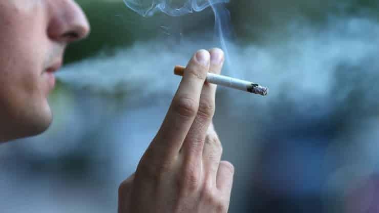 Nghiện thuốc lá là một trong các nguyên nhân gây viêm tuyến tiền liệt