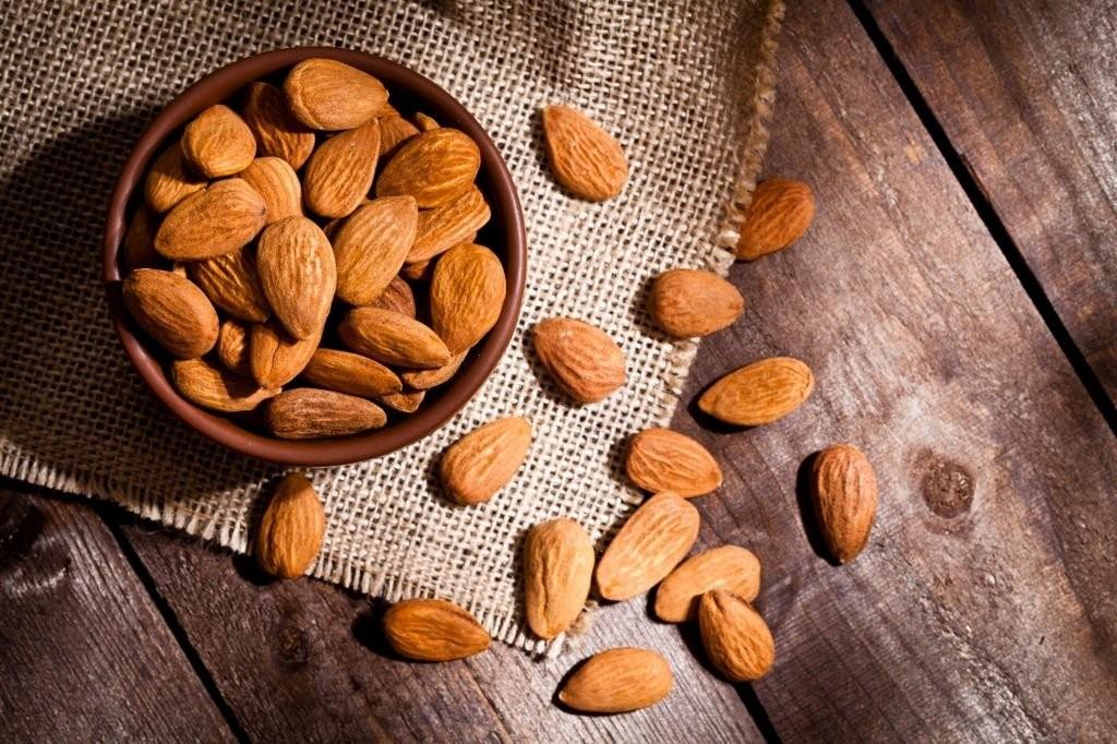 Hạnh nhân cũng là một nguồn vitamin B2 dồi dào