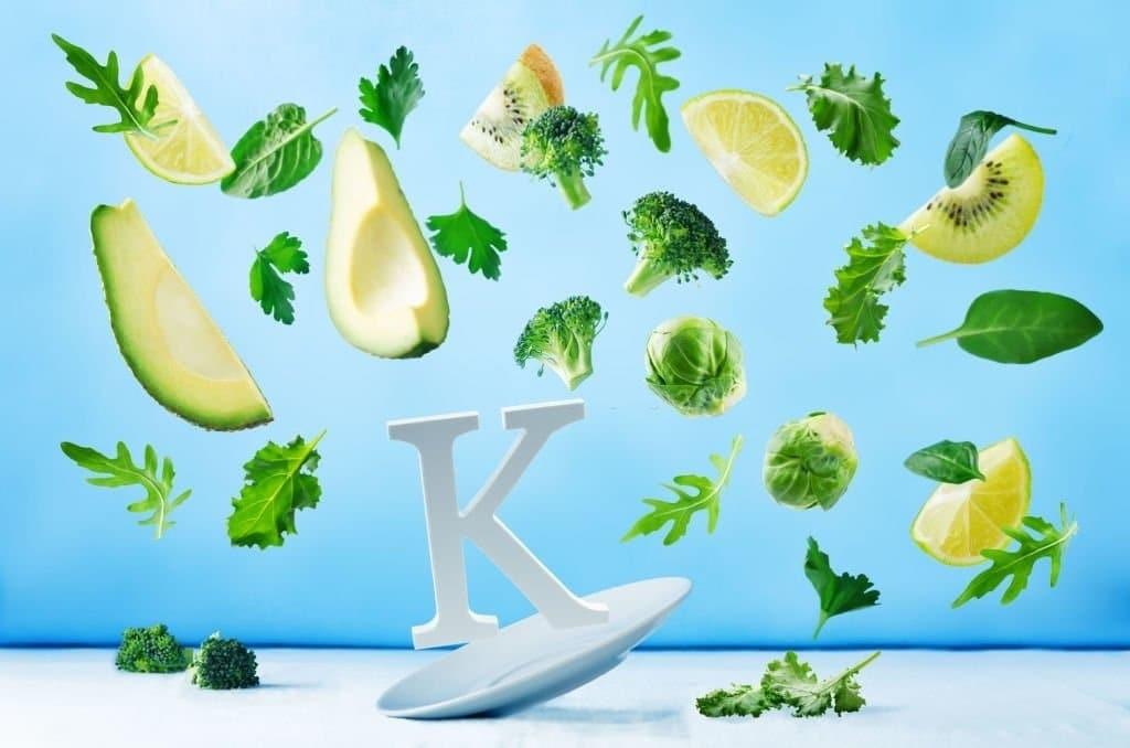 Nên bổ sung đầy đủ vitamin K từ thực phẩm để phòng ngừa thiếu vitamin K