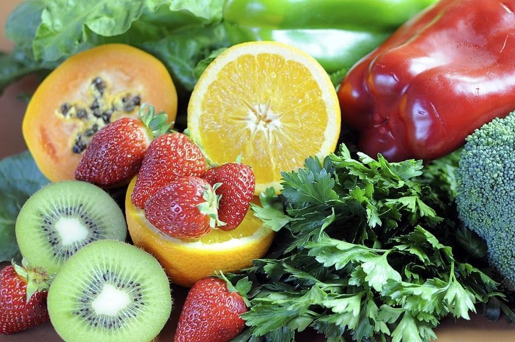 Thường xuyên ăn thực phẩm giàu vitamin C sẽ không dẫn đến bất kỳ nguy cơ về sức khỏe nào