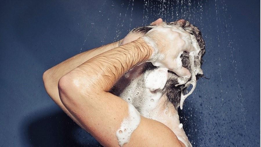 nguyên nhân rụng tóc ở nam giới