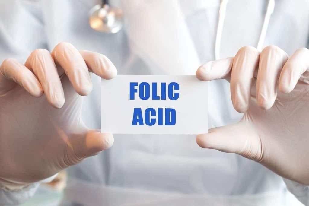 Axit folic là một loại vitamin tổng hợp của folate (Vitamin B9)