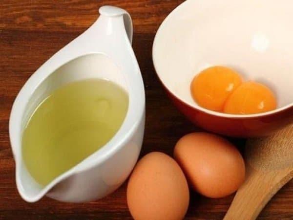 Lòng đỏ trứng gà chứa hàm lượng chât béo cao