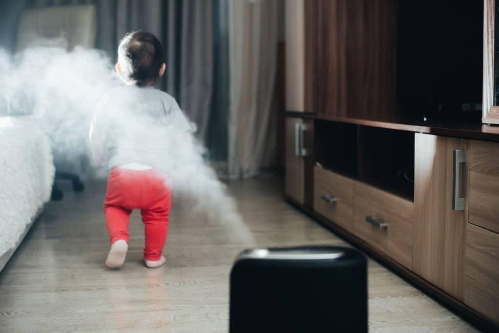 Hãy đặt máy tạo độ ẩm ở những nơi mà trẻ ở nhiều nhất