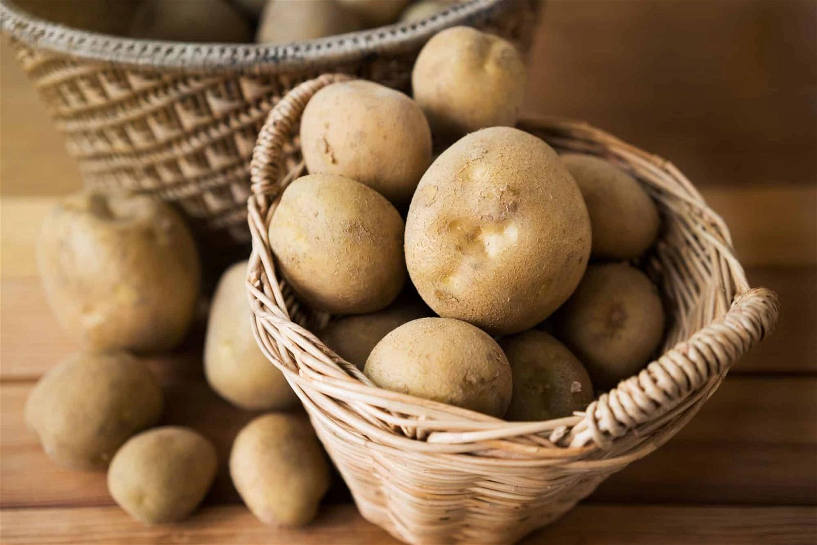 Chuyên gia dinh dưỡng khuyên bạn không nên bỏ đi vỏ khoai tây