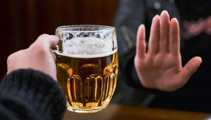 Hạn chế rượu bia có thể khắc phục mùi hôi của tinh trùng