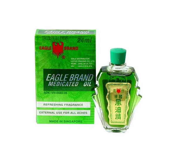 Dầu gió xanh Con Ó Eagle Brand