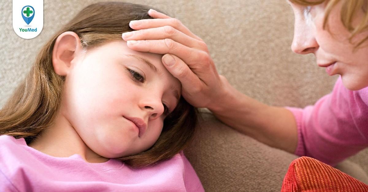 Trẻ bị sốt sau khi tiêm phòng 6 trong 1