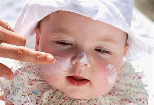 Tình trạng khô da ở trẻ
