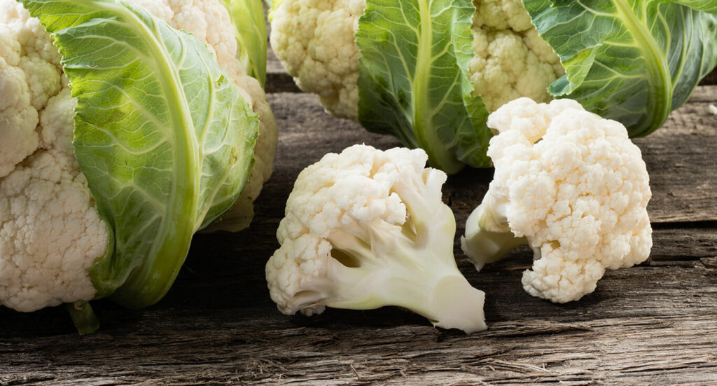 Bông cải trắnglà nguồn nguyên liệu tươi mới, có giá trị dinh dưỡng cao.