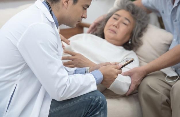 Nếu bạn thường xuyên gặp tình trạng khó thở, cần khám bác sĩ để được điều trị