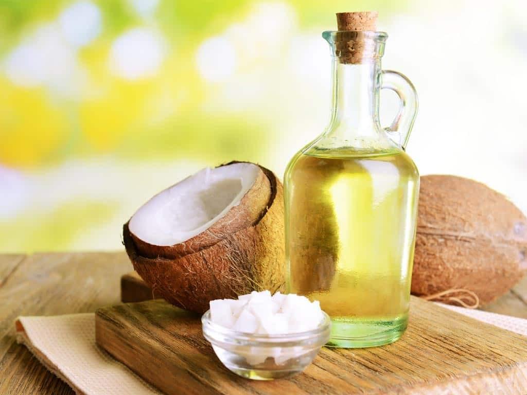 Tác dụng bảo vệ mạch máu của dầu dừa còn tranh cãi