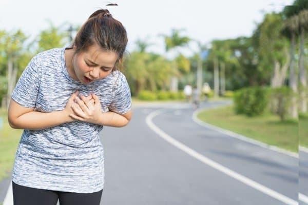 Đau tức ngực kèm khó thở có nguy hiểm không?