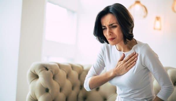 Đau tức ngực có biểu hiện như thế nào?