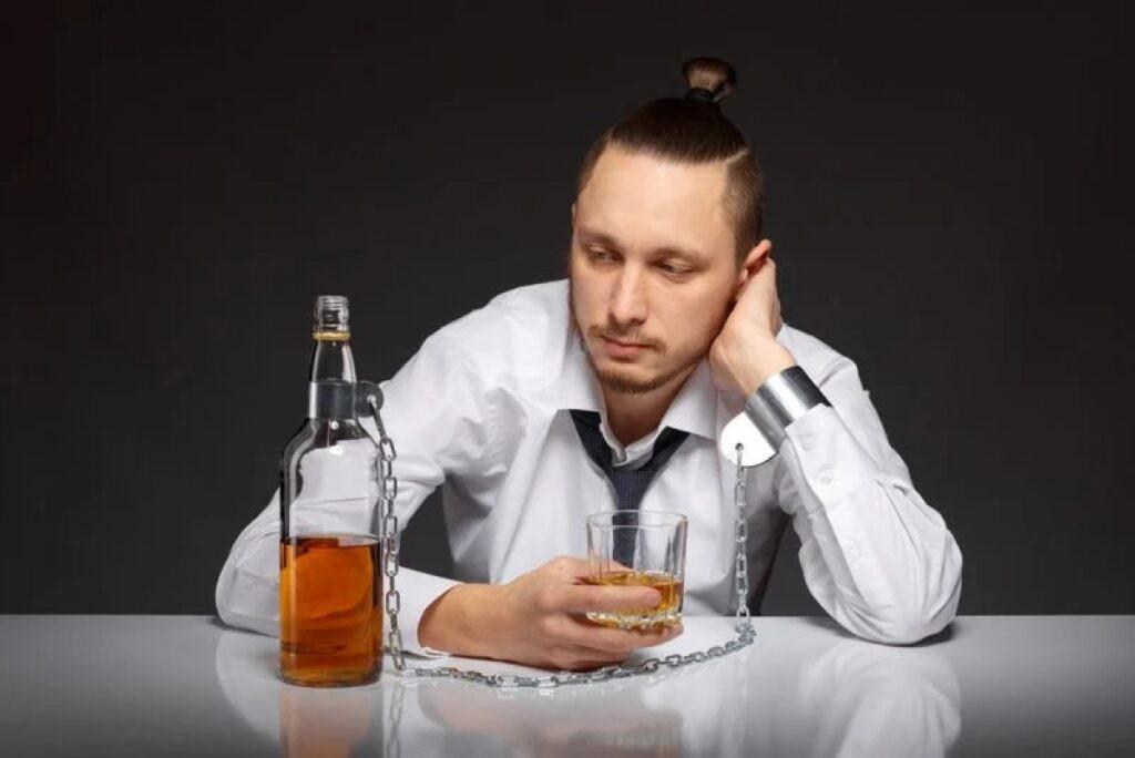 Lạm dụng rượu bia có thể ảnh hưởng đến kích thước tinh hoàn