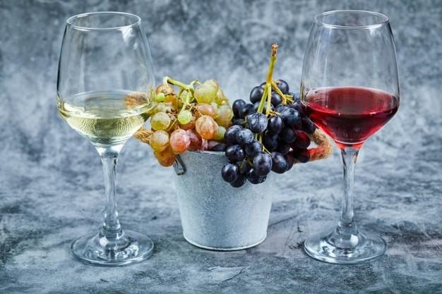 Nhiều nước trên thế giới chuyên sản xuất rượu nho