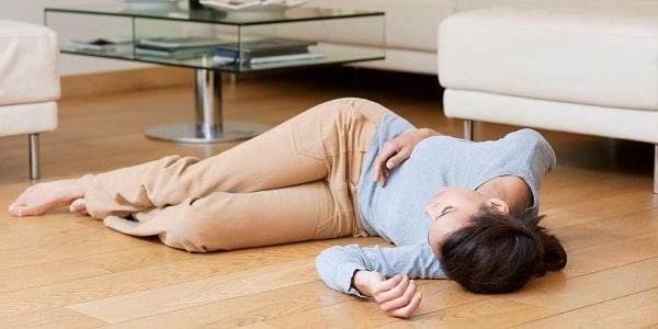 Kinh nguyệt ra quá nhiều sau sinh có thể gây ngất xỉu vì mất máu