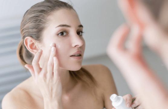 Biện pháp chăm sóc da vào mùa đông để tránh khô, nứt nẻ