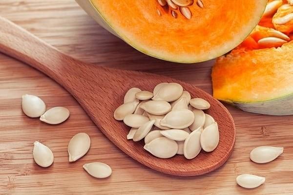 Hạt bí ngô là một trong những thực phẩm bổ máu não điển hình
