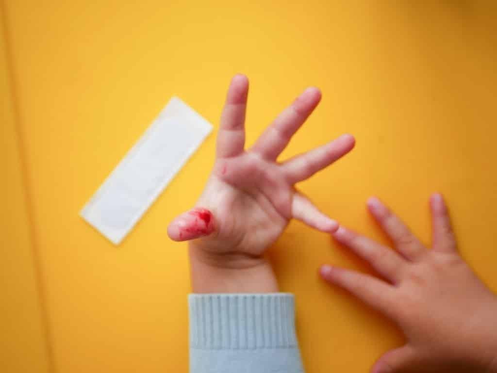 Khi trẻ bị đứt tay hay chảy máu cam, tủy xương có thể tạo ra hồng cầu để bù lại