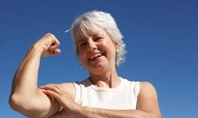 Phytoestrogen trong mầm đậu nành ngăn ngừa mất chất xương ở phụ nữ sau mãn kinh.