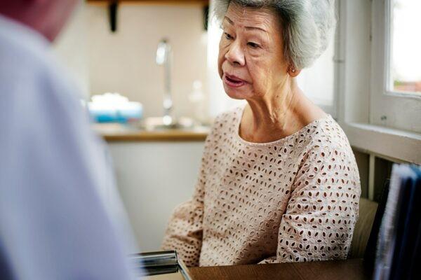 Tình trạng mắc bệnh cảm cúm hay những bệnh truyền nhiễm dễ khiến người ta hạ đường huyết.