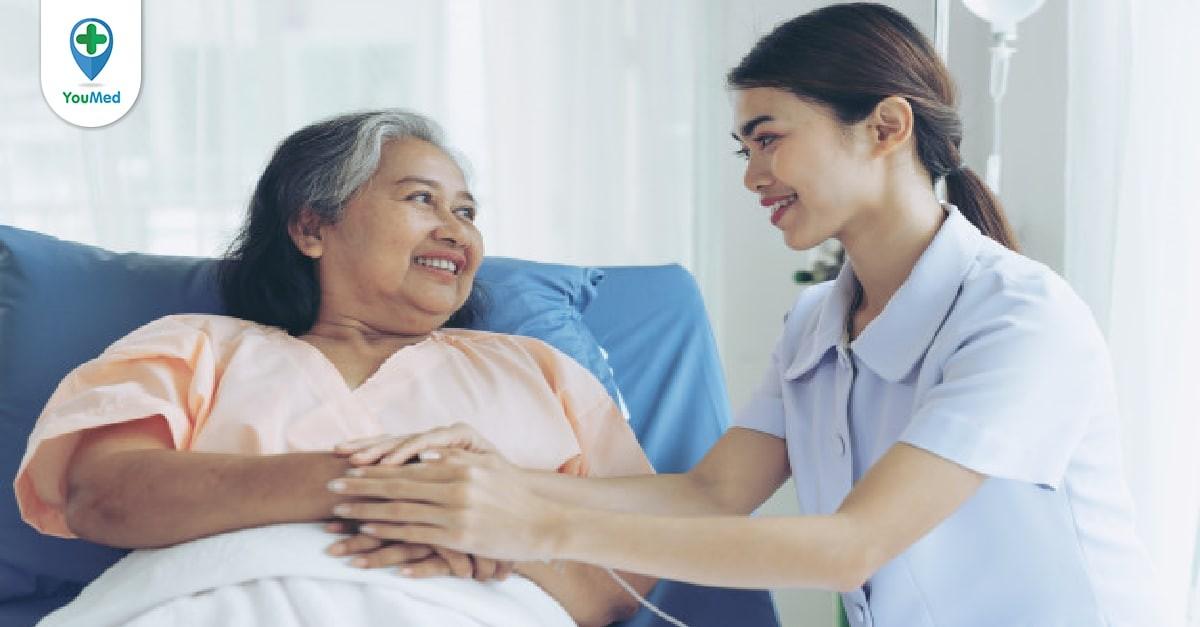 chăm sóc bệnh nhân sau mổ bướu giáp
