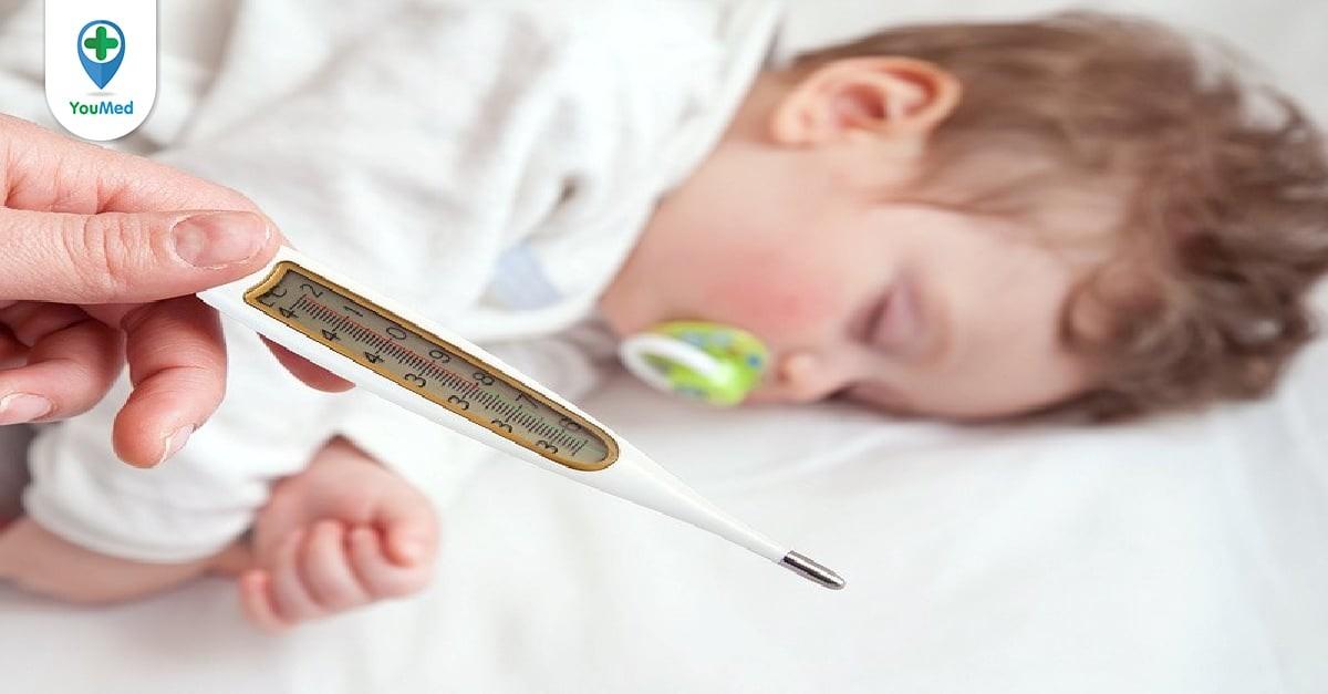 Tiêm phế cầu có bị sốt không và cách xử trí nếu có