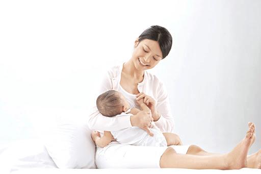 Lợi ích của sữa mẹ đem lại cho chính mẹ