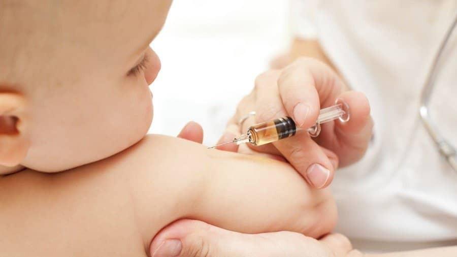 Tiêm phòng vắc xin lao BCG cho trẻ