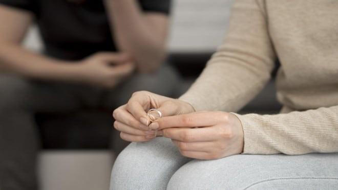 Nam giới bị liệt dương lâu ngày có thể làm rạn nứt quan hệ vợ chồng