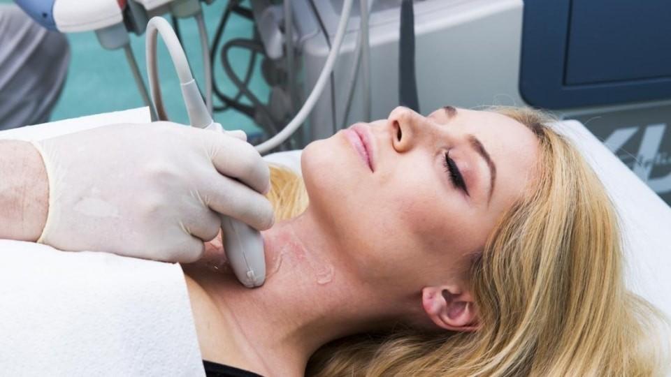 Siêu âm tuyến giáp rất quan trọng để chẩn đoán.