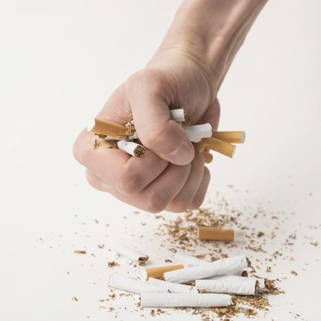 Ngưng thuốc lá là một cách chăm sóc tuyến giáp