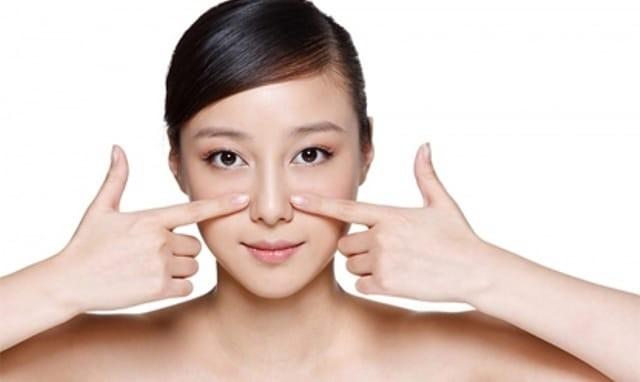Nguyên nhân gây ra mụn ở từng vùng trên khuôn mặt