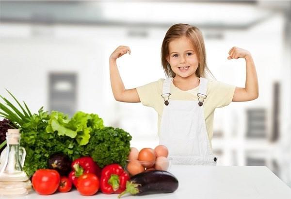 Bổ sung rau củ quả và trái cây vào chế độ ăn cho trẻ để phòng ngừa bệnh trĩ