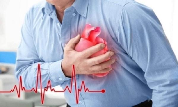 Suy tim và biến chứng tim mạch.