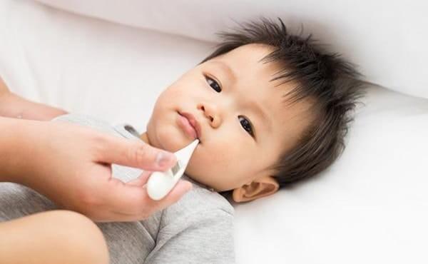 Những tác dụng phụ có thể gặp phải sau tiêm vắc-xin