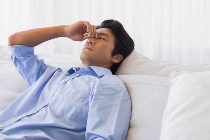 Bệnh suy tuyến thượng thận gây ra tình trạng mệt mỏi và chán ăn
