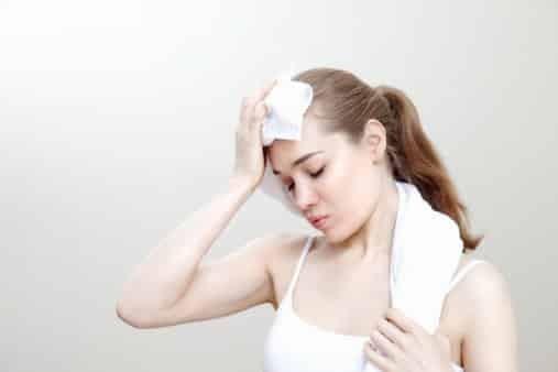 Cơ thể thường xuyên mất nước có thể dẫn đến bệnh suy thận