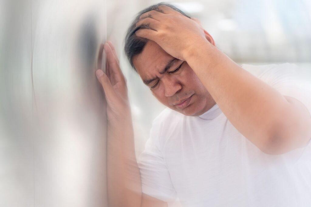 Chóng mặt là một trong những dấu hiệu cảnh báo hạ đường huyết