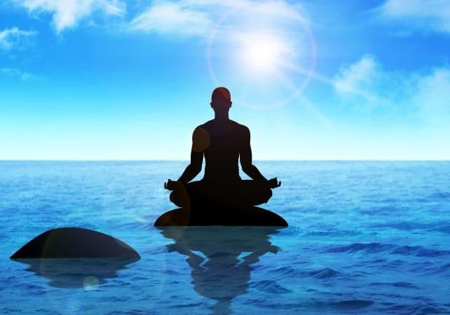 Ngồi thiền là phương pháp giúp bạn kiểm soát stress hiệu quả