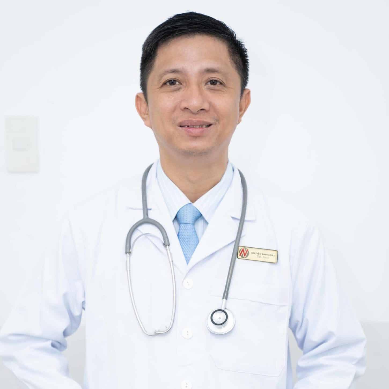 bác sĩ Nguyễn Đình Huấn