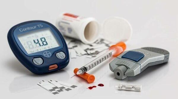 Bạn nên đo đường huyết vào sáng sớm ngay khi thức dậy và chưa ăn uống gì.