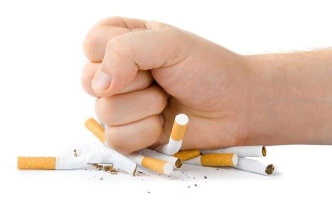 Không hút thuốc là một trong các biện pháp kiểm soát bệnh hiệu quả