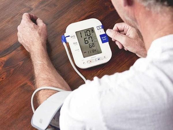 Kiểm soát huyết áp là phương pháp then chốt trong phòng ngừa bệnh suy thận
