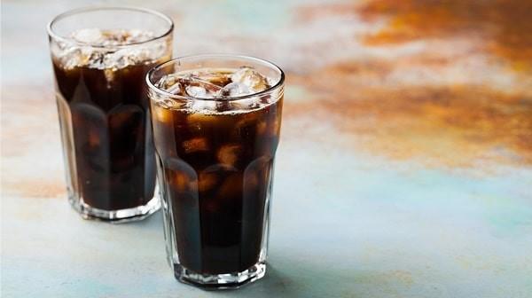 Nước ngọt sẫm màu chứa lượng lớn phốt pho không tốt cho người bệnh thận