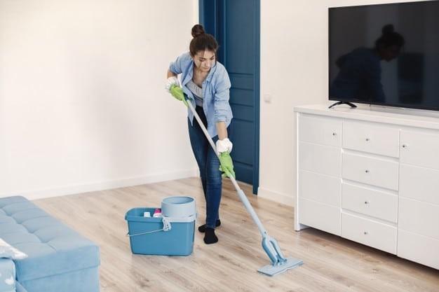 Dọn dẹp nhà cửa giữ vệ sinh môi trường sống và bảo vệ sức khỏe của bạn