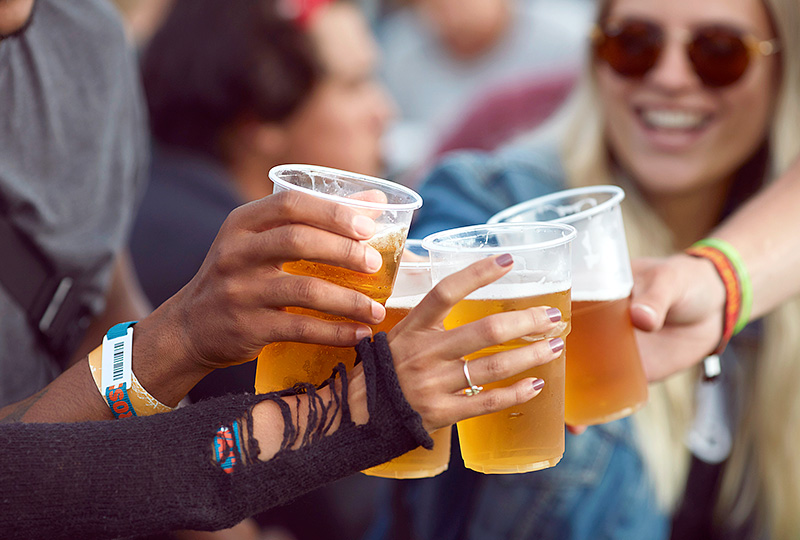 Uống nhiều rượu bia làm tăng nguy cơ mắc bệnh