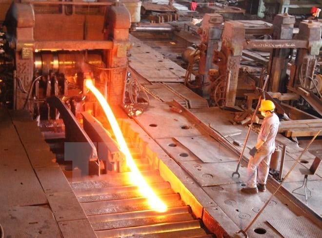 Làm việc trong môi trường thường xuyên nóng làm đổ nhiều mồ hôi