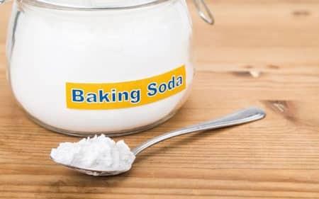 Baking soda là lựa chọn phù hợp để giảm tiết mồ hôi tay